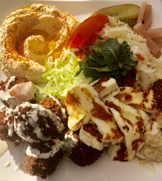 Cheap Eats Frankfurt - Aroma Vegetarian & More Offers Perfectly Green Falafel