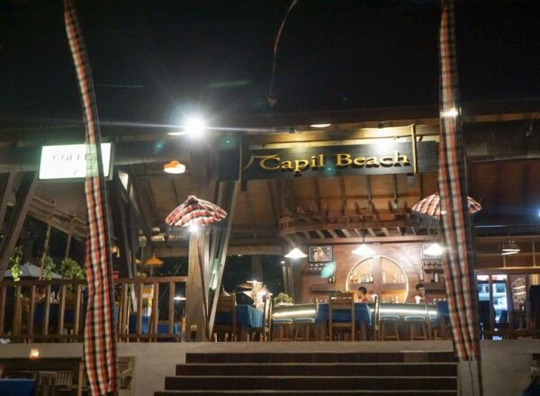 Indonesia Travel Tips - Capil Beach Grill & Bar is Good For Laying Back And Having Some Pizza
