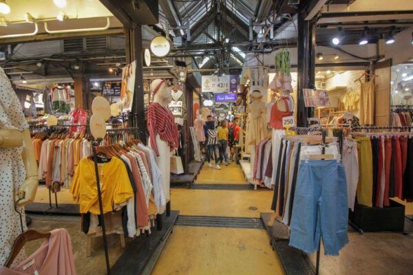 Thailand Travel Tips - Chatuchak Weekend Market Offers Unique Souvenirs And Home Furniture