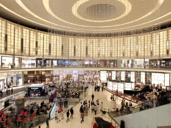 Best Shopping Malls in Dubai - Dubai Mall Has Aquarium & Underwater Zoo