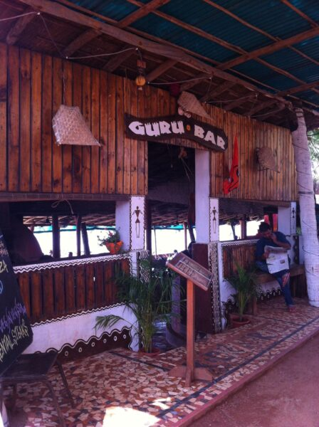 Bars in Goa - Guru Bar is Situated on The Beach Itself And Offers Quick Bites
