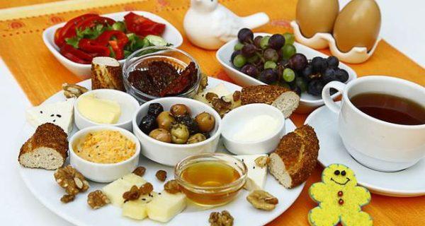 Turkish Cuisine - Kahvalti is A Turkish Breakfast Comes With Gözleme And Tea