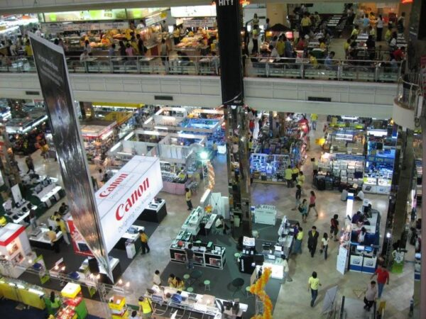 Thailand Shopping Guide - Pantip Plaza Offers Computer Hardware And Gadgets