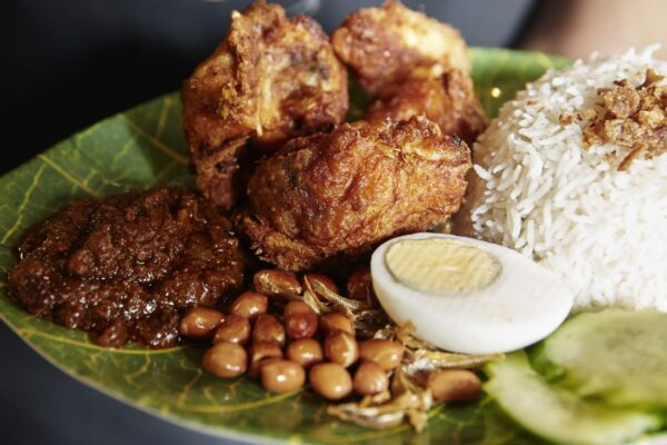 Cheap Places to Eat in London - Roti King Offers Malaysian Dishes Like Nasi Lemak Ayam