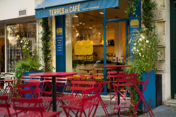 Parisian Café - Terres De Café is A Paris Cafeteria With Very Good Baristas And Good Coffee