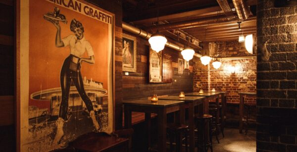 London Pub - The Mayor of Scaredy Cat Town Resembles Old City And HAs Darker Tone