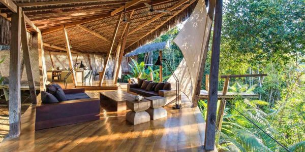 7 Most Unique Hotels Around the World - Tree House Villa in Brazil Has An Open Rain Forest Shower