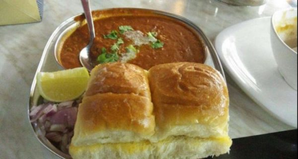 Cheap Food in Dubai - Vada Pav in Veg World Restaurant Can Get Pani Puri As well