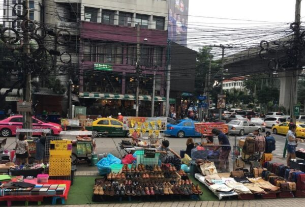 Thailand Travel Tips - Victory Monument Market is Where You Can Bargain