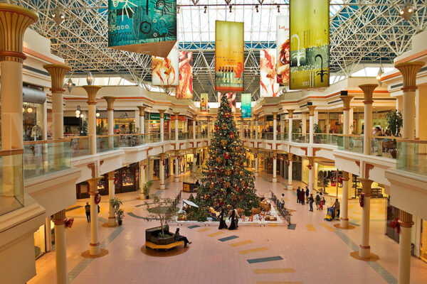 Dubai Mall - Wafi Mall Represents Egyptian Pharaohs And Has 350 Retail Outlets