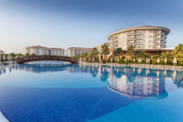 Relaxation Travel - Sea World Resort & Spa is 80 km Away From Antalya Airport