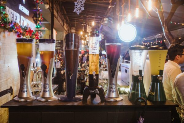 Singapore Nightlife - Beer Factory is Lively And Located Near Raffles Place MRT