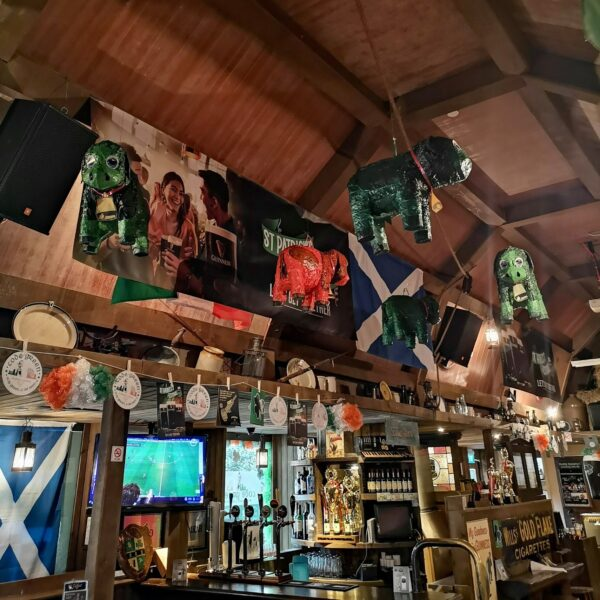 Pubs in Singapore - Muddy Murphy's Irish Pub is Located at Claymore Connect