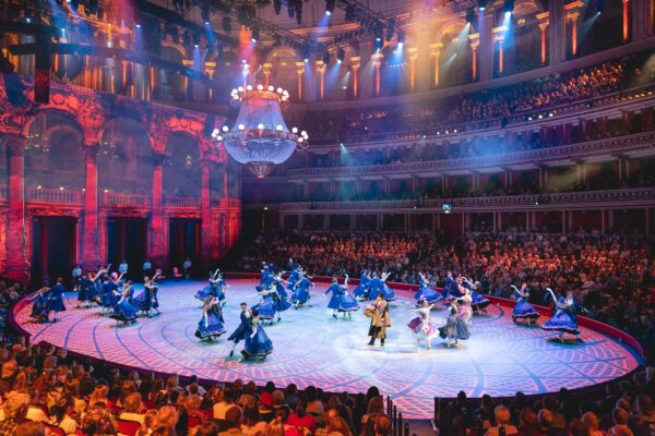 UK Travel Tips - Royal Albert Hall Was Built Victorian Times And Hosted Classical & Modern Music Events