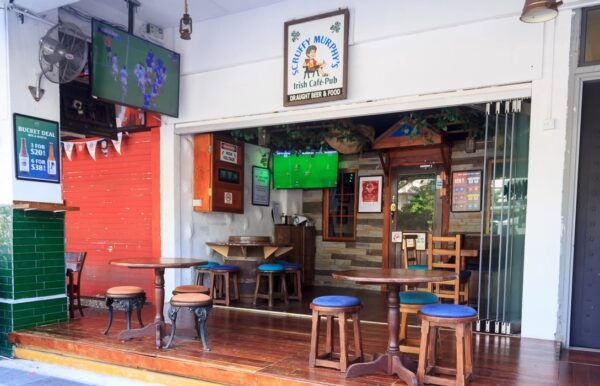 Pubs in Asia - Scruffy Murphy's Irish Cafe-Pub is Good For Watching Football