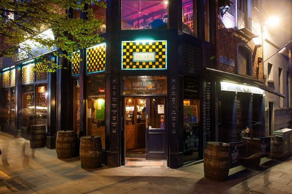 Cheap Bars in Dublin - The Porterhouse is The First Pub Brewery in Town