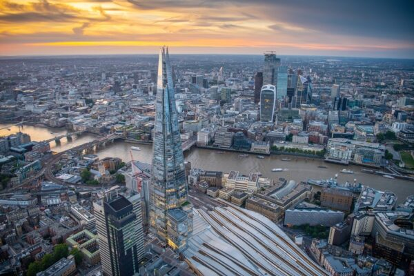 London Sightseeing Guide - The Shard is A Skyscraper And The Work of Renzo Piano