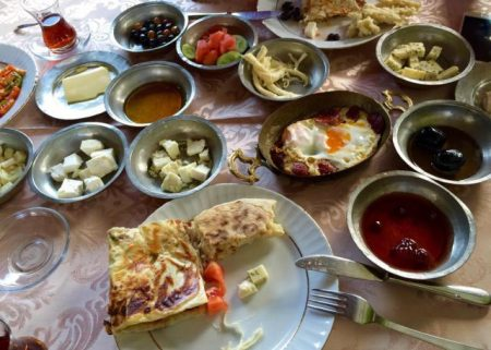 Top Restaurants & Cafes for Brunch in Ankara - Zenger Paşa Konağı Offers Ankara brunch Such As Gözleme