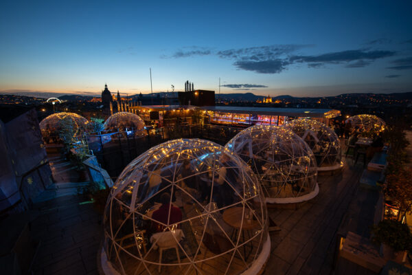 Budapest Nightlife - 360 Bar Provide Bubble Spheres During The Winter Time