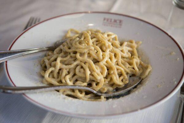 Italy Travel Tips - Felice a Testaccio Offers Cacio e Pepe And is Located At Via Mastro Giorgio