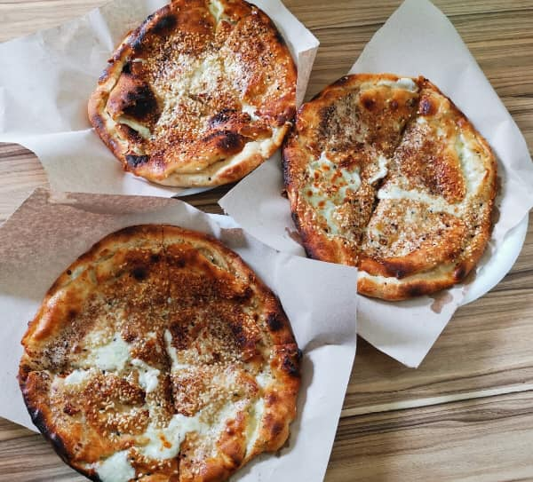 Turkey Food Guide - Pideci Hasan Sendagli Sells Flavorful Yagli Somun