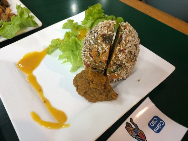 10 Best Cheap Eats in Cairns - Snoogies is A Vegetarian Shop Offering Healthy Juices