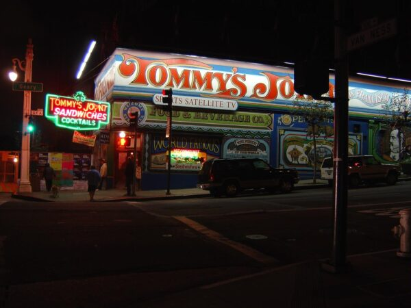 Top Cheap Food Locations in San Francisco - Tommy's Joynt is A Famous Spot For Cheap Drinks