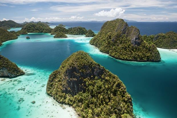 The most beautiful beaches of Indonesia, Raja Ampat Islands