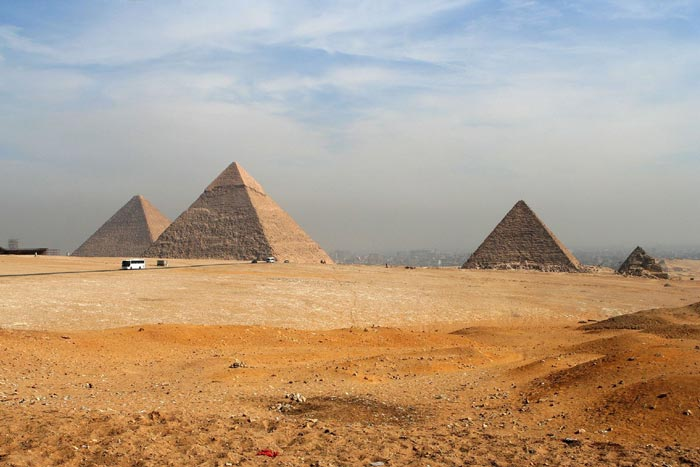 Top 10 Attractions of Ancient Egypt - Giza Necropolis Cemetery is Located in The Vicinity of Southwest of Cairo