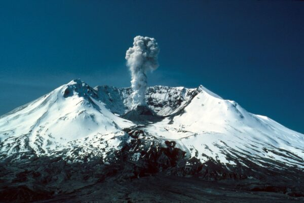 Luxury Tourist Attractions of The World - Volcano Tour in Washington Offers A One-Day Tour