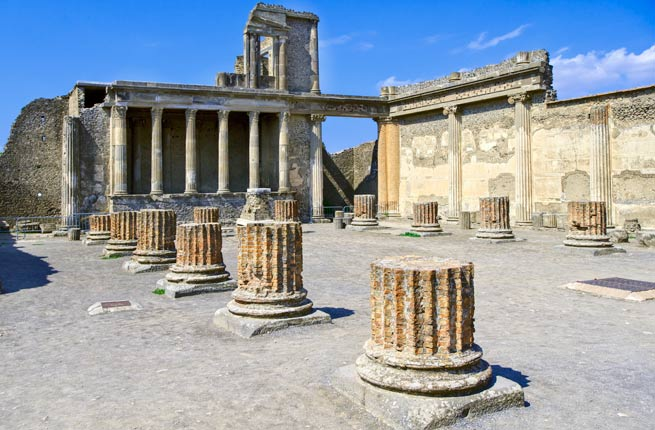 Top Monuments in The World - Pompeii Was Buried Under Molten Lava of Mount Vesuvius