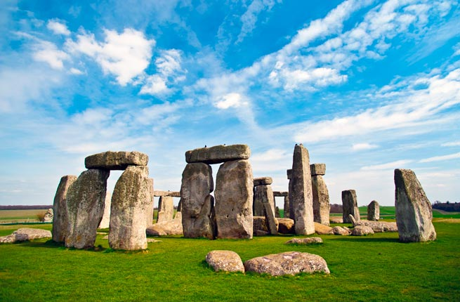 Landmarks of The World - Stonehenge was Designed in 3000 BC With 45-ton Stones