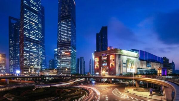 China Travel Tips - Super Brand Mall Has Thousands of Stores on 13 Separate Floors