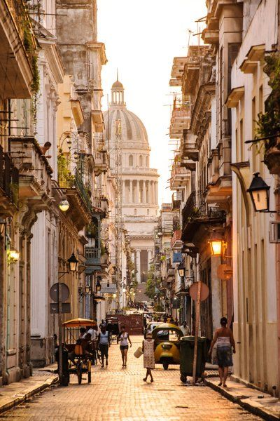 Places in Cuba - Old Havana Has Great Baroque And Neoclassical Buildings