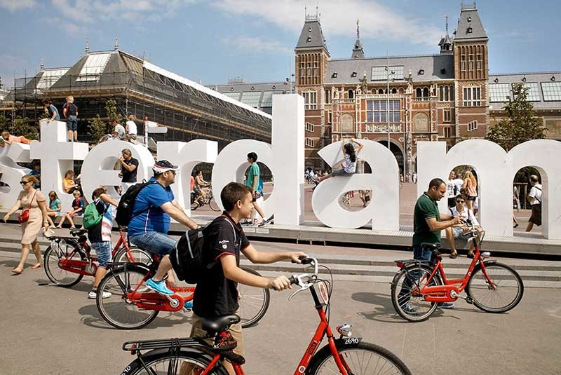 European Cities to See Before Adulthood - Amsterdam is An Ideal City For Traveling With Youngsters