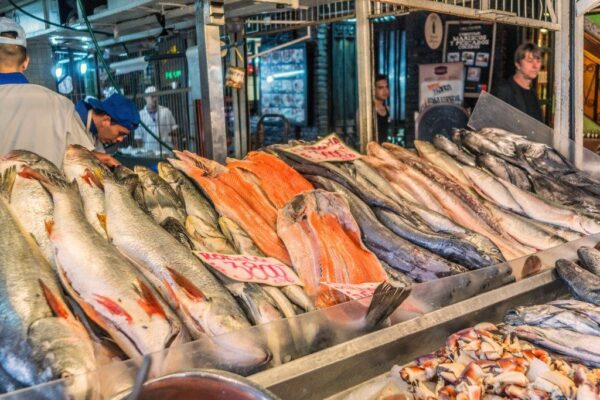 Santiago City Attractions - Mercado Central is Very Famous For Seafood And Other Things