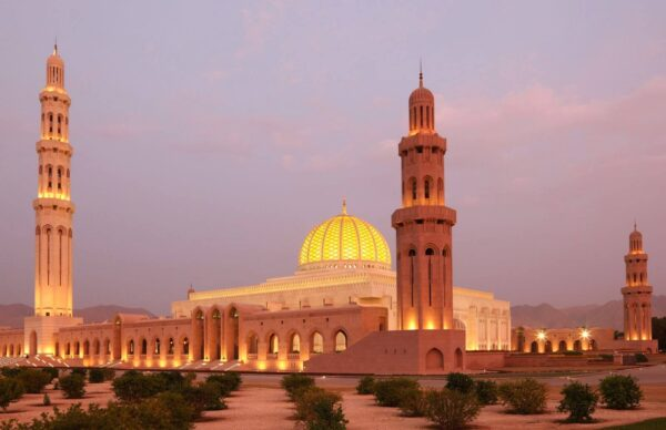 Monuments You Must See - Sultan Qaboos Grand Mosque is The Main Shrines of Oman