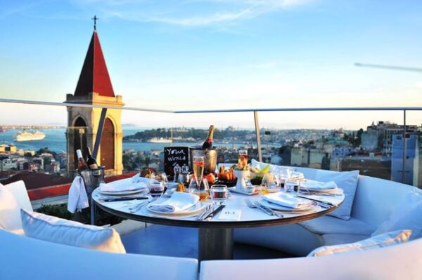 Best Restaurants in Taksim Square - 360 Istanbul is Located on A Roof Top With City View