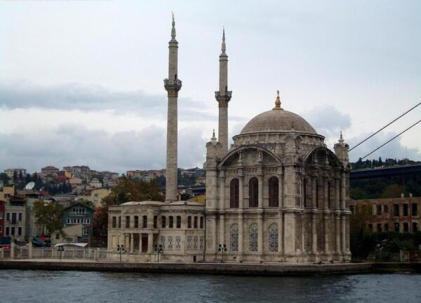 The Most Famous Mosques in Istanbul - Dolmabahçe Mosque Built By Sultan Abdülmecid I