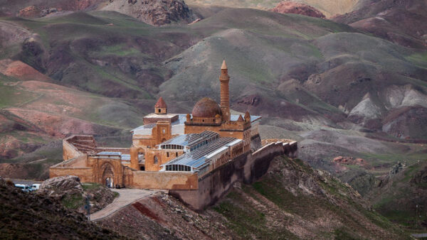 Attractions in Eastern Turkey - Ishak Pasha Has Palace Ishaq Pasha Palace Inside