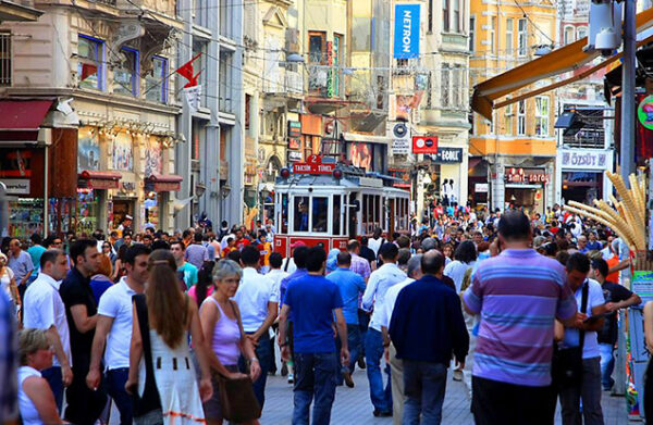 Istanbul Attractions - Istanbul Shopping Festival The Most Important Shopping Place