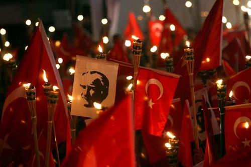 Top Festivals in Turkey - Turkish Republic Day Where You Can See Red Flags