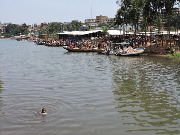 Lake Kivu Contains Large Amounts of Methane Gas - The Most Dangerous Tourist Attractions in The World