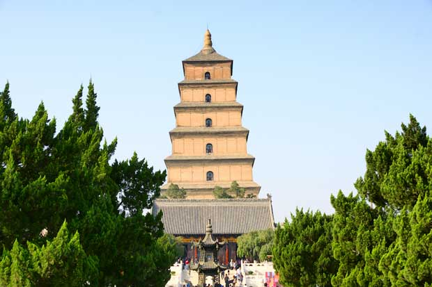 Beautiful Temples of Ancient China - Giant Wild Goose Pagoda With Buddha Statues From India