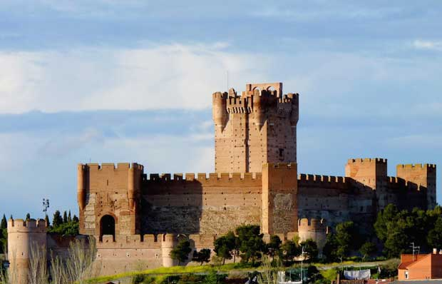 Beautiful Spanish Castles Near Madrid - Castle La Mota Belongs to Moorish Period