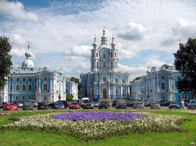 Attractions in Russia - Smol'nyy Sobor Built By Bartolomeo Rastrelli For Queen Elizabeth