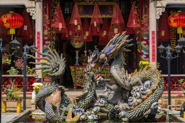 Cantonese Assembly Hall Known As Quang Trieu - Best Attractions in Hoi An