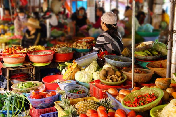 Best Attractions in Hoi An - Central Market A Place to Eat Local Food And Cao lau