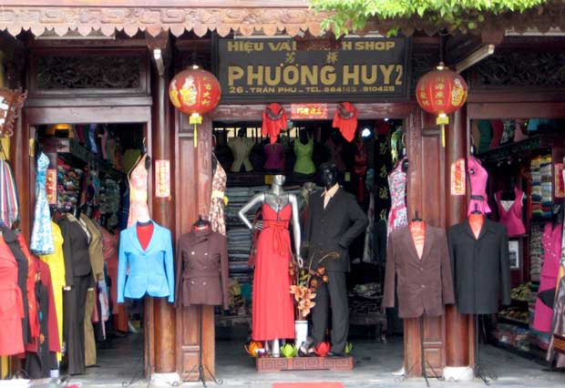 What to Do in Vietnam - Tailors in Hoi An