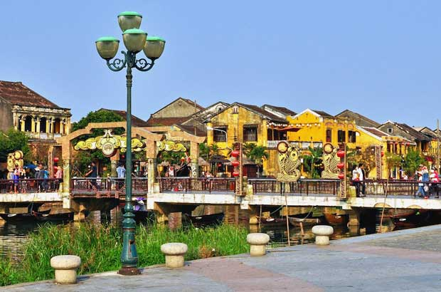 What to Do in Vietnam - Old Town A Place With Historical Buildings And Quan Cong Temple